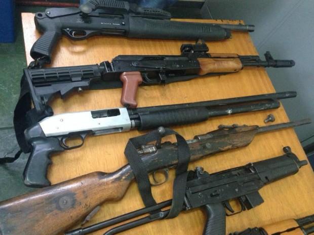 C mara torna crime hediondo porte de fuzis e outras armas for Uso e porte de arma