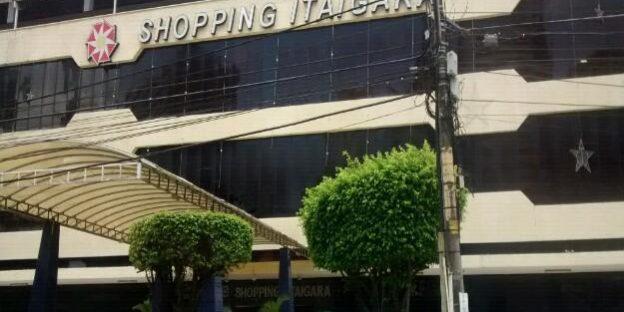 59ecd38c296 Shopping Itaigara é condenado a indenizar porteira xingada por ...